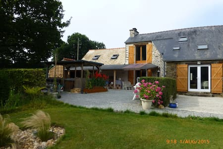 Rural 1st floor appartment - Noyal-Pontivy