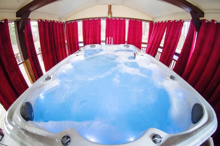 Extra large Hot Tub,Movie Theater, Sauna,Game Zone