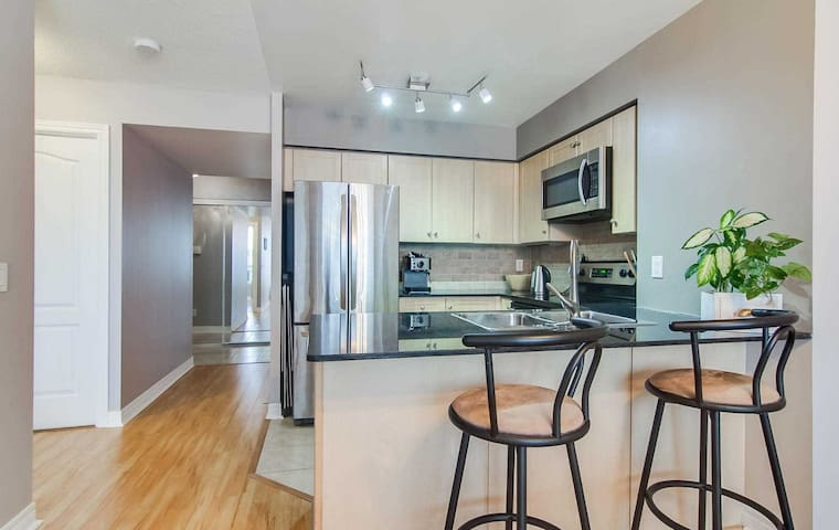 Modern, fully furnished one bed room apartment