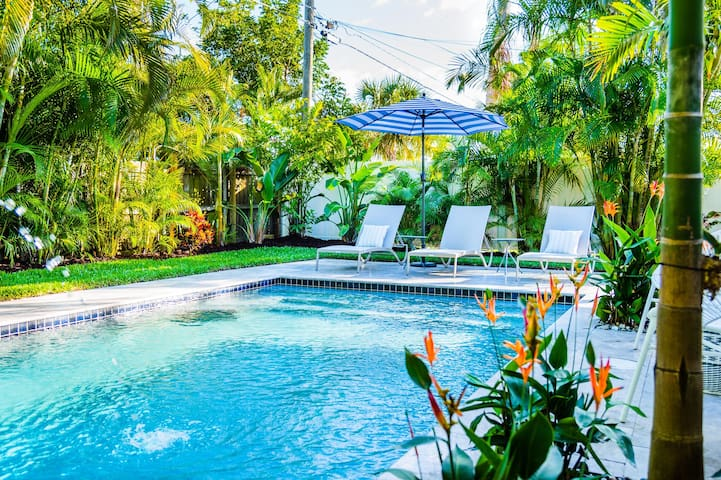 529 Whispering Palms Oasis   Private Heated Pool