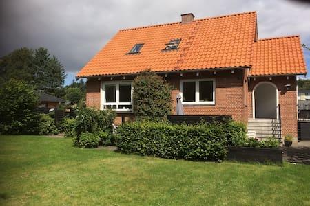 Hus i naturskønne Silkeborg - Silkeborg - Huis