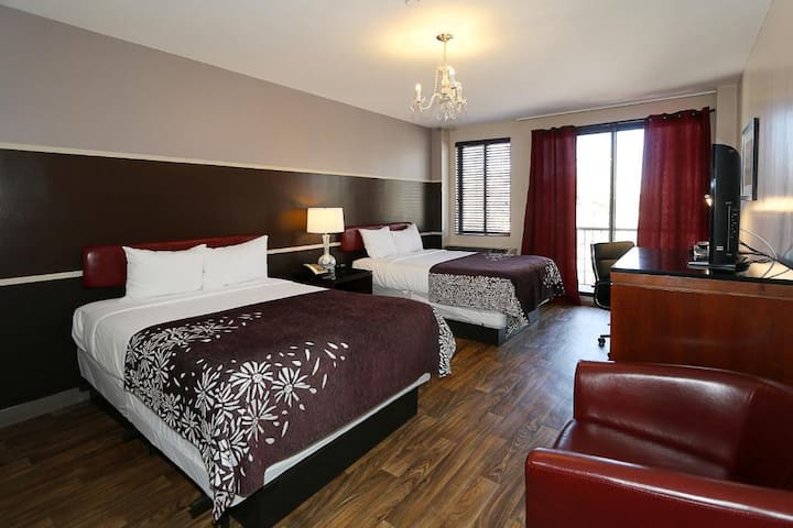 ★Premier Room, Two Queen Beds and Balcony★