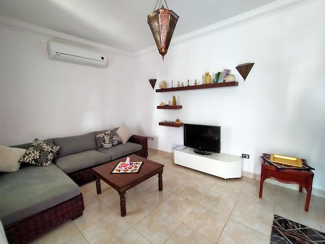 Luxury two rooms apartment with terrace in Delta