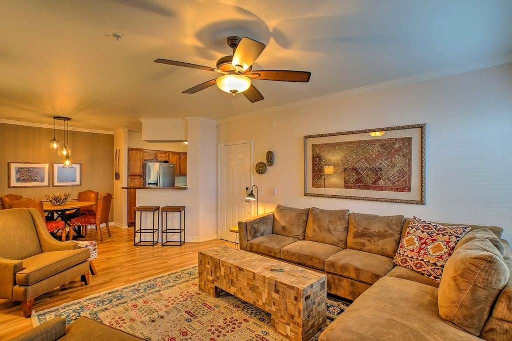 This condo has been professionally designed and features high-end furnishings and modern comforts for 4 guests to enjoy.