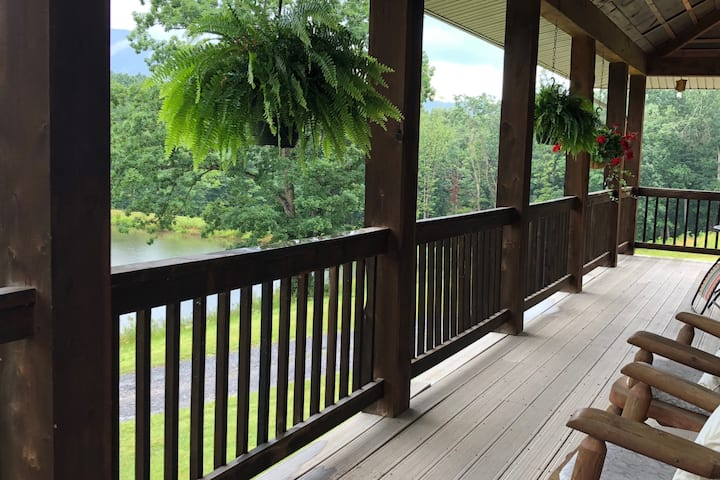 """""""Lakeview Getaway Lodge - In Shenandoah Valley"""""""