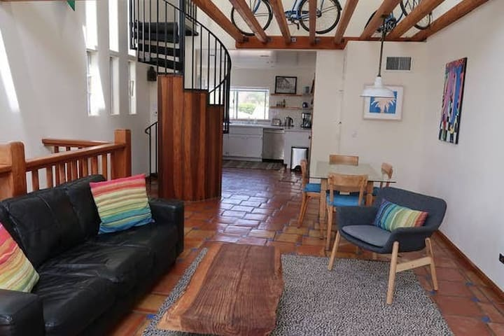 Large and quiet Venice Beach apartment - 1 bedroom