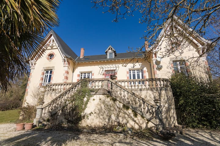 Beautiful Mansion with Private Swimming Pool in Aquitaine