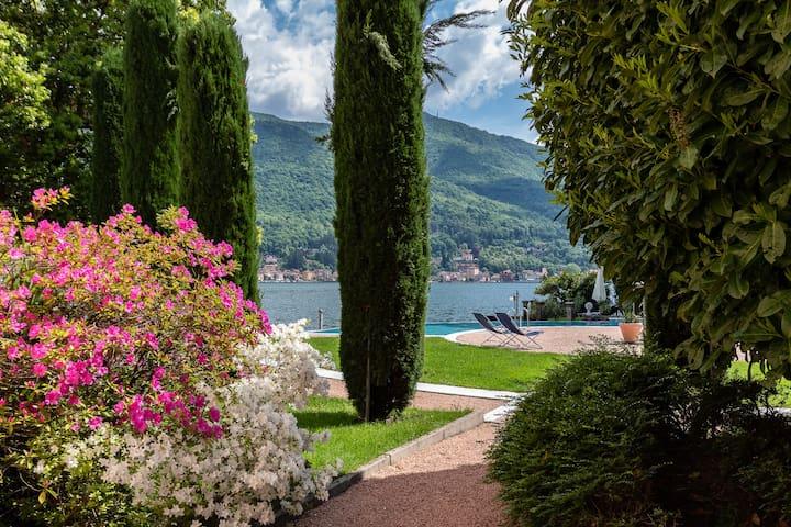 """""""Il nido del lago"""" -  right on the lake"""