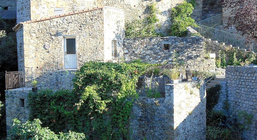 Charmante maison en bord de rivière - Pézilla-de-Conflent