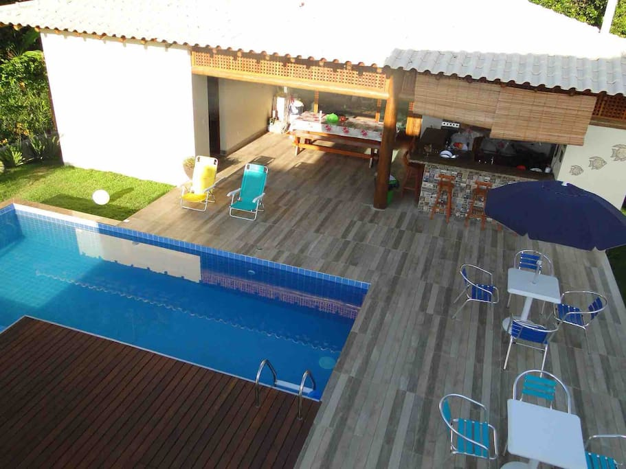 piscina, água aquecida naturalmente