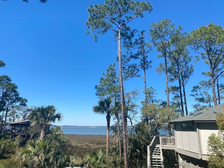 Sea Pines  Deer Island Tree House with Ocean Views