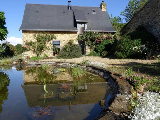 Maison à Saint Dolay avec vue sur prairie et bois