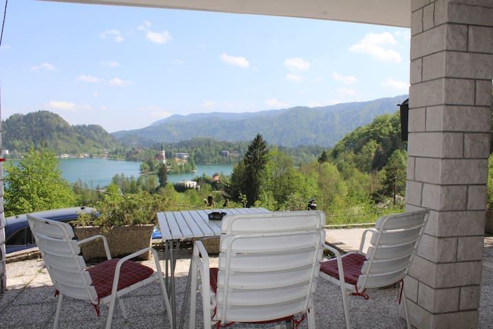 VIKSI Bled. Elegant rooms. 3/Bled view