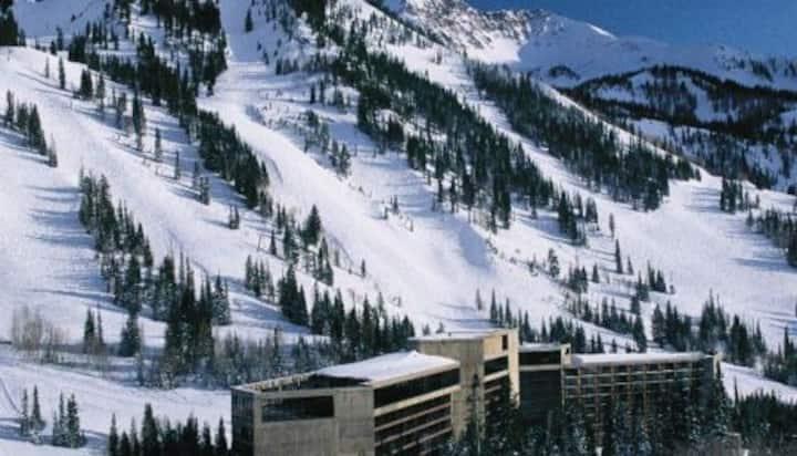 Cliff Club Snowbird Spring Break March 13-20, 2021