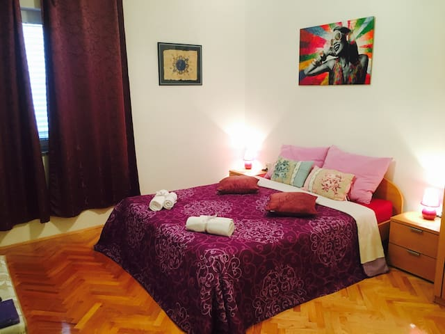 Charming room|3min from center|AirC