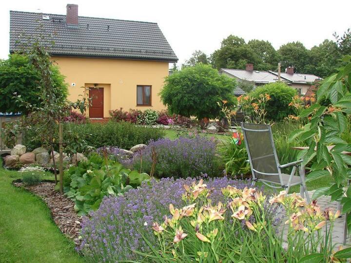 Dom nad morzem z dużym ogrodem