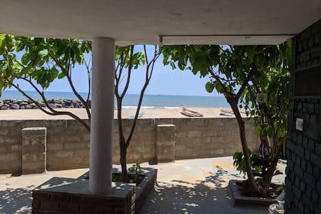 Charming villa on the beach near Pondicherry