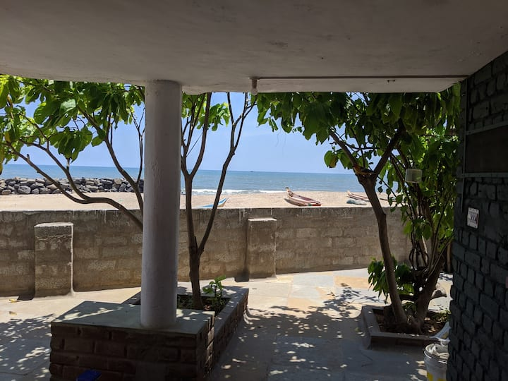 Charming villa on the beach near Pondicherry