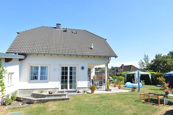 Comfortable, well-furnished, ground-floor home with beautiful, large garden