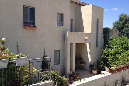 A beautiful spacious house with a great view - Givat Nili - Townhouse - 1