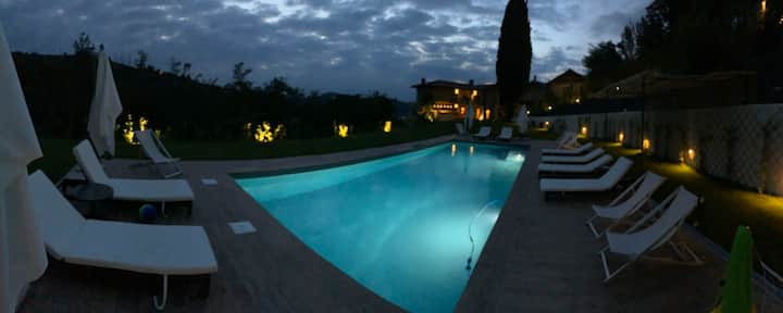 Villa HEATED pool o/s bar, lounge, kitchen, diner