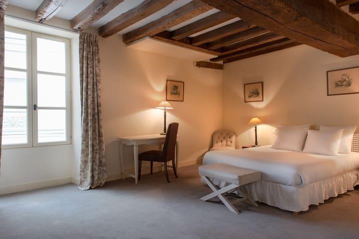 Suite Famille à L'Hôtel de L'Ecu de Bretagne***