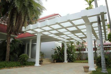 Private Room in Urvil Beach Side Villa-Uthandi,ECR - Kanathur