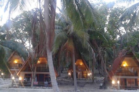Ocean-view villa at the stunning Coconut beach - Krong Preah Sihanouk - Casa de campo