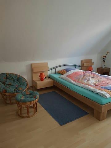 3 Zimmer und Kueche.