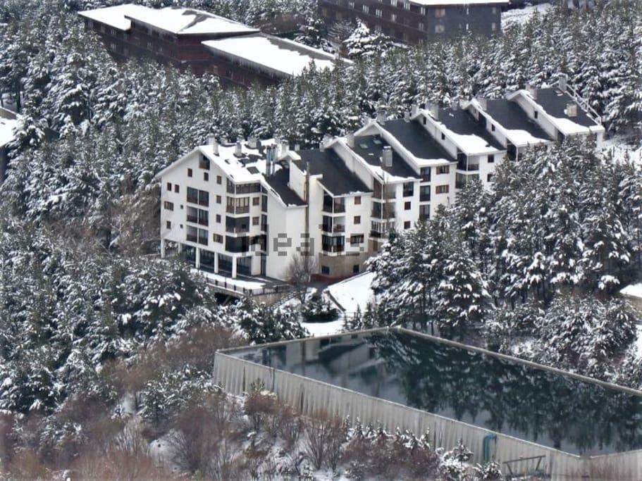 Panorámica del edificio, estilo Alpes Suizos