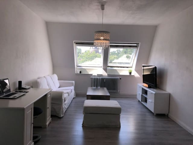 Very comfy & great located next to the Harbour