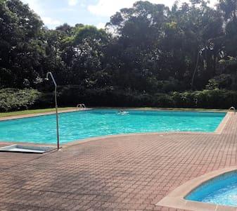 Grand T2 DUPLEX dans résidence avec piscine/tennis - Lakás