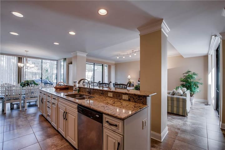 1265  Harbour Town Club | Beautifully Decorated | Complex Pool | Walk to Harbour Town | Sea Pines