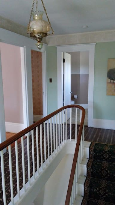 From 1st floor entrance to upstair kitchen/living, bedroom and bath.