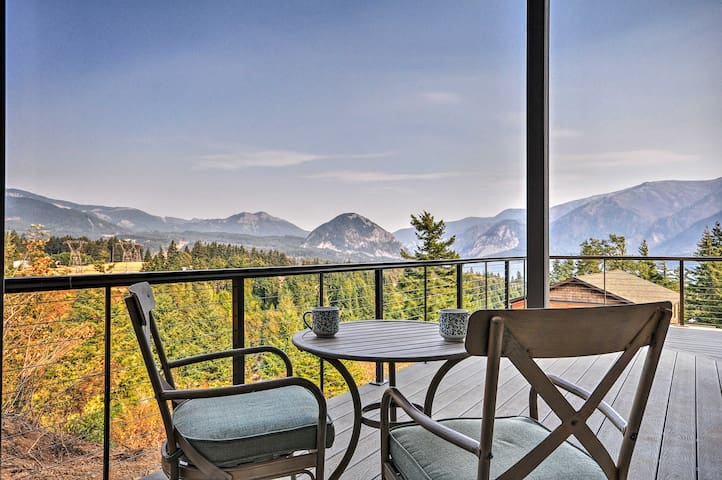 NEW! 'Gorge Retreat' Carson Home w/Stunning Views!
