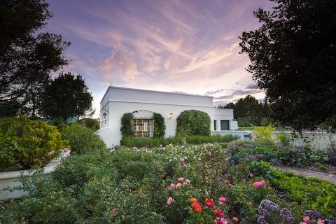 Greenhill Estate, Private Cape Dutch Cottage