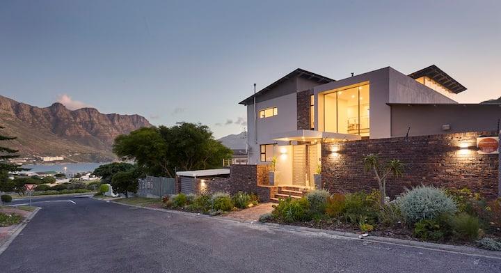 Villa Rhulani - Luxurious modern Villa in Hout Bay