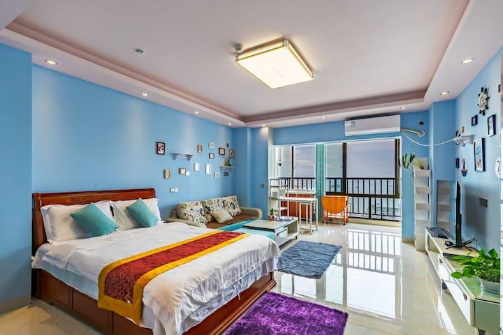 情侣蜜月一线海景房2606,临近海月广场,凤凰岛
