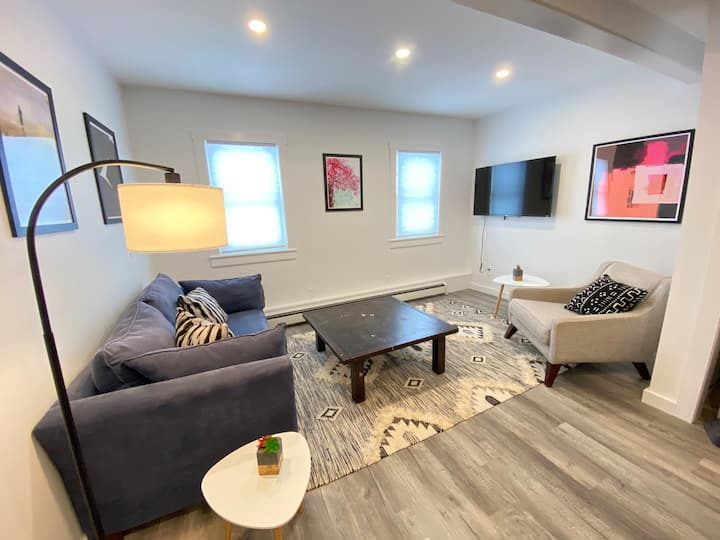 New Stowe Village Modern 1 bed, professional clean