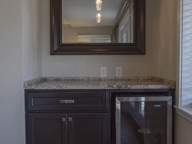 beautiful granite counter