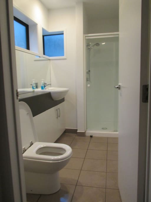 Spacious private Ensuite bathroom