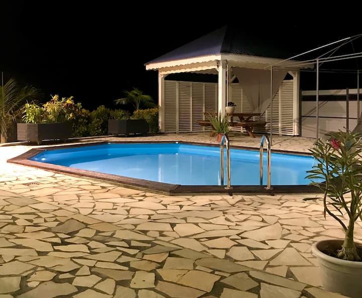 Villa moderne avec piscine et smart TV