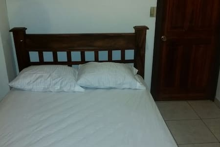 777 - 1A  Apartment Near Limon Beaches - Limón - Byt
