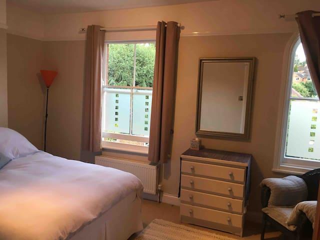 Large sunny double room & bathroom, peaceful house