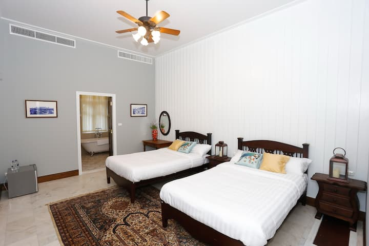 #FOUR Gorgeous Double Bedroom in Heritage House