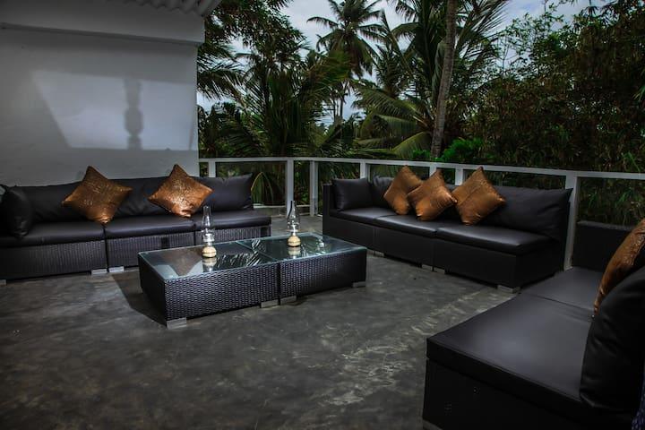 The Apartment At W15 Escape - Ahangama - Leilighet
