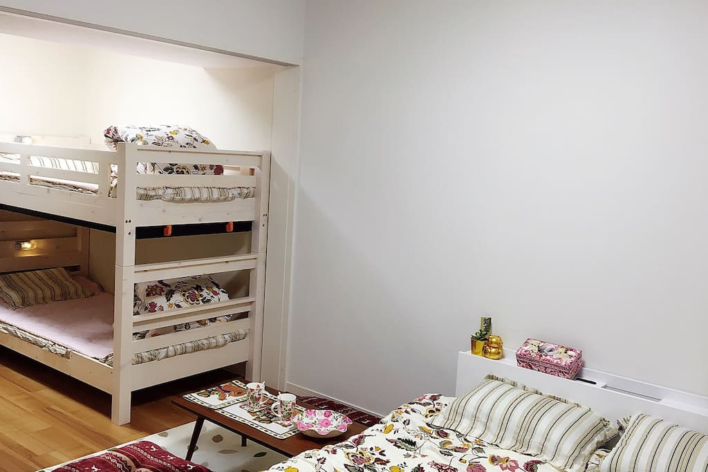 single bunk bed and 160cm bed