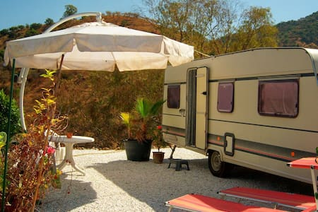 Caravan (WiFi), in nature reserve with horses - Guaro