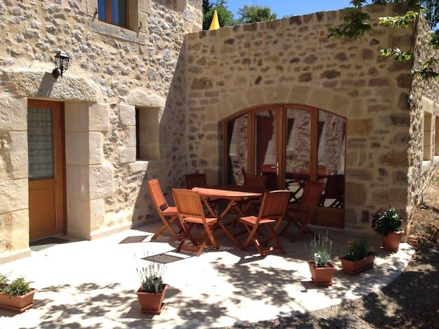 Gite de Vacances - entre Aveyron et Vallée du Lot - Capdenac-Gare - Hus