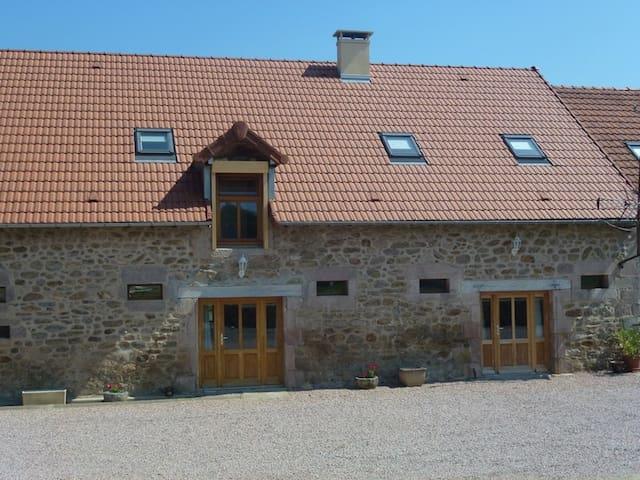 Les gîtes de La Planche: Les Ormes - Saint-Nizier-sur-Arroux - Dům